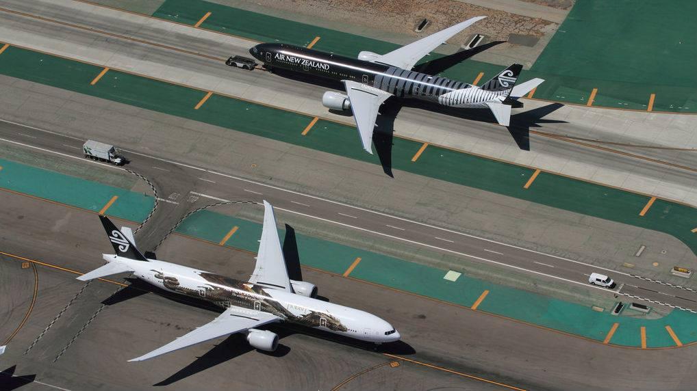 LAX runway