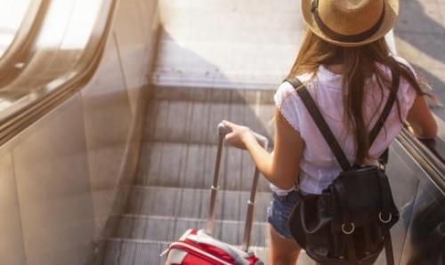 girl escalator